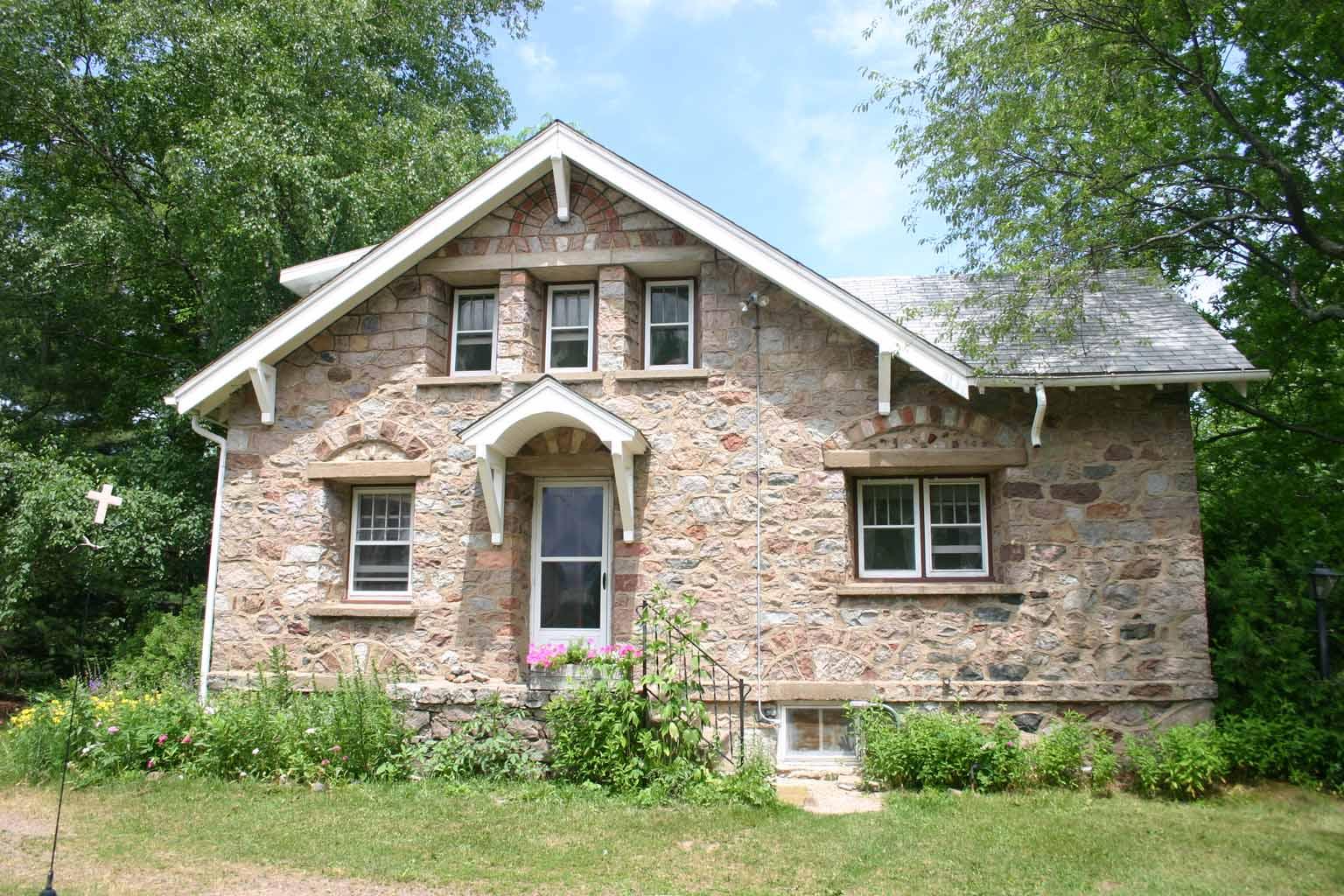 Stone house Strona house
